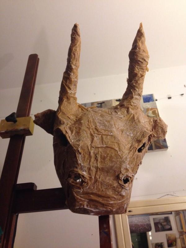 máscara da dani secando